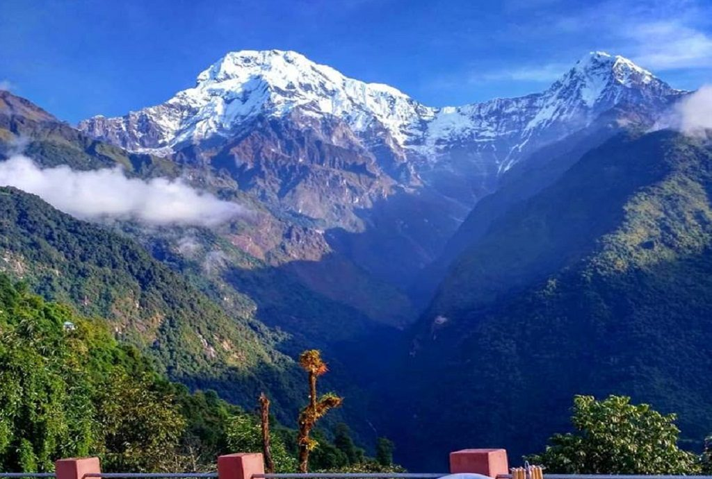 Annapurna south & hiuchuli moutain view from chomrong