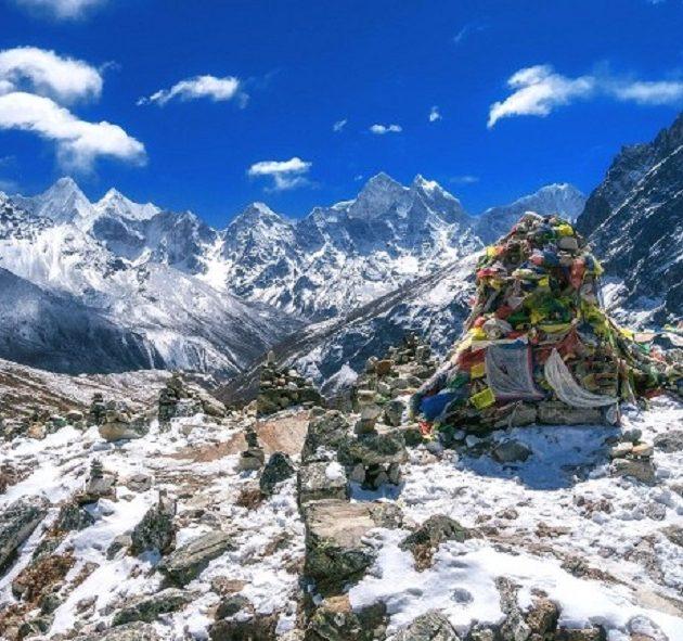 Everest Base Camp trek via Gokyo Chola Pass